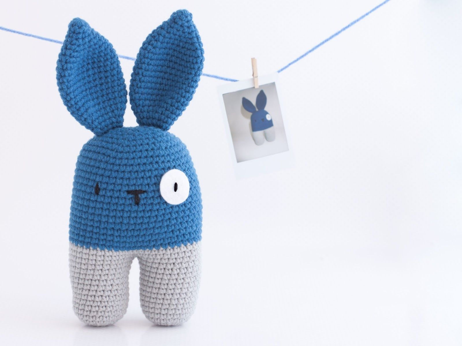 Amigurumi conejo bípedo (enlace a patrón gratis) | Amigurumis PequiCosas