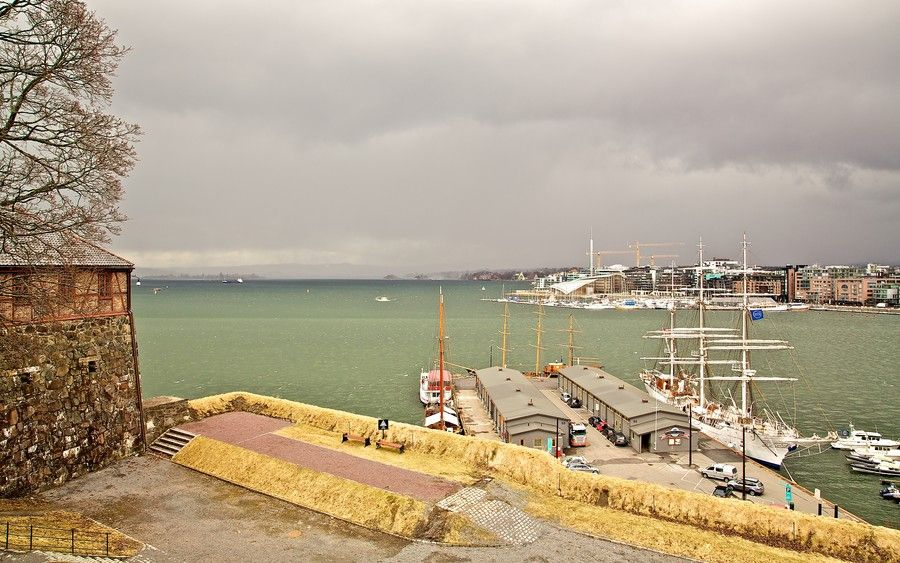 Just before the storm, Oslo, Norway  \\ Europe Trotter