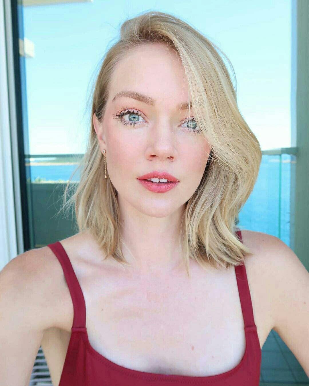 Cleavage Adrienne Bailon nude (62 images), Selfie