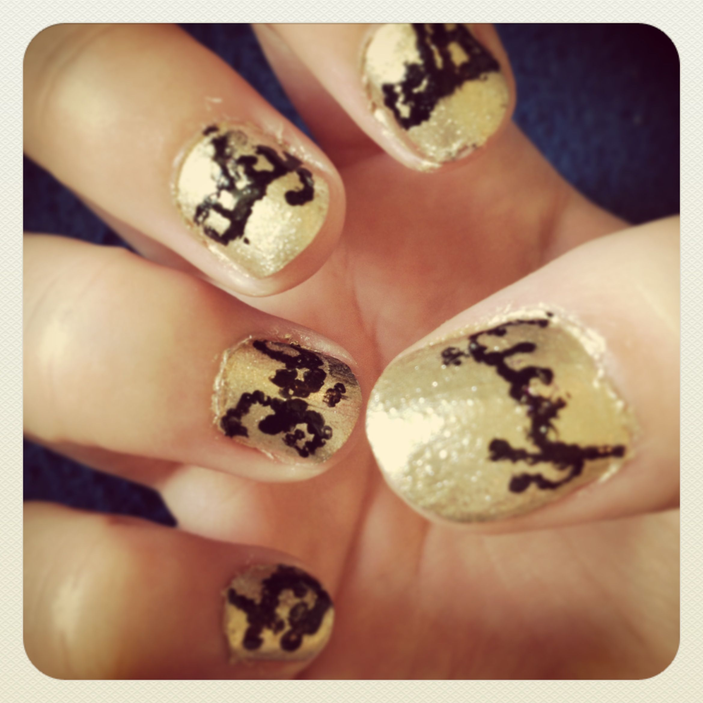 Lord of the rings nail art. One ring to rule them all in Elvish ...