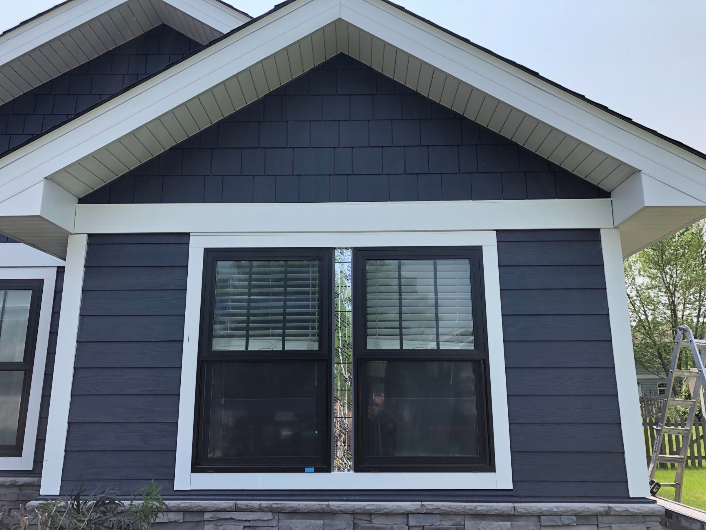 These Homeowners Wanted A Trex Decking And James Hardie Siding 4 Season Room Pbs Installed James Hardie Fiber C James Hardie Siding Hardie Plank Hardie Siding