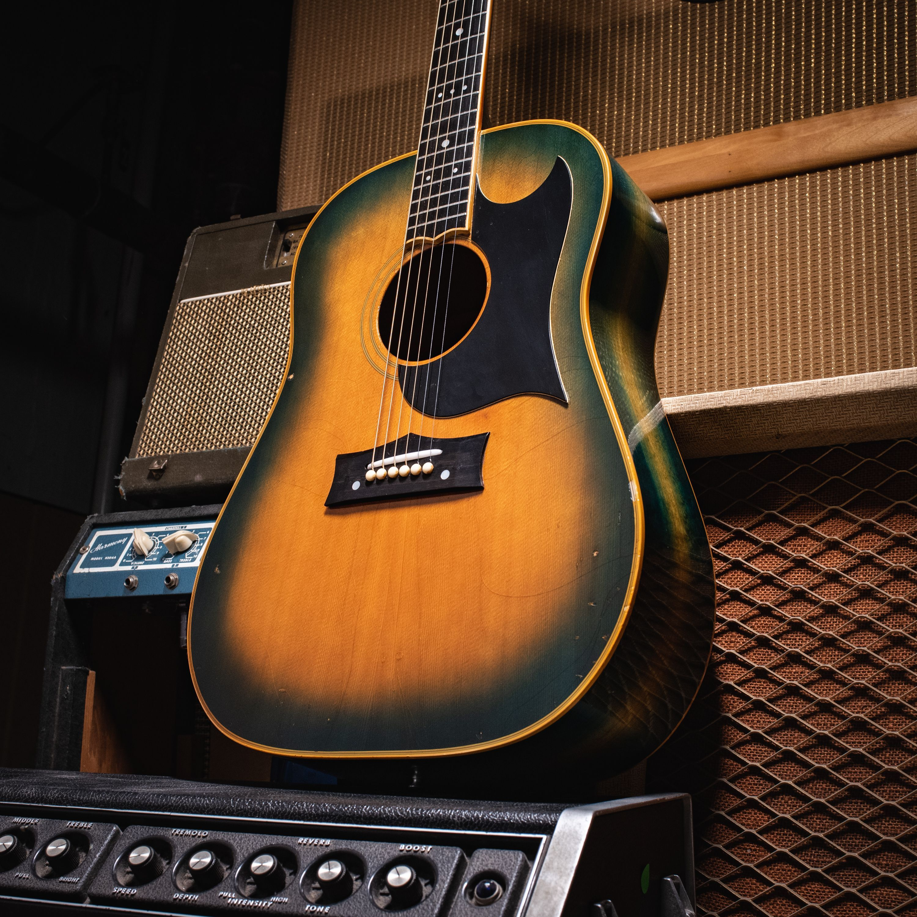 If You Re Getting Some Gear Envy From This 60 S Grammer G 20c In Green Burst Stop By The Shop Or Check It Out Online Today Guitar Grammer Guitar Photography