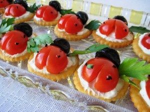 Ladybug crackers
