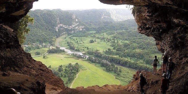 Arecibo, El Cueva del Indio, Puerto Rico