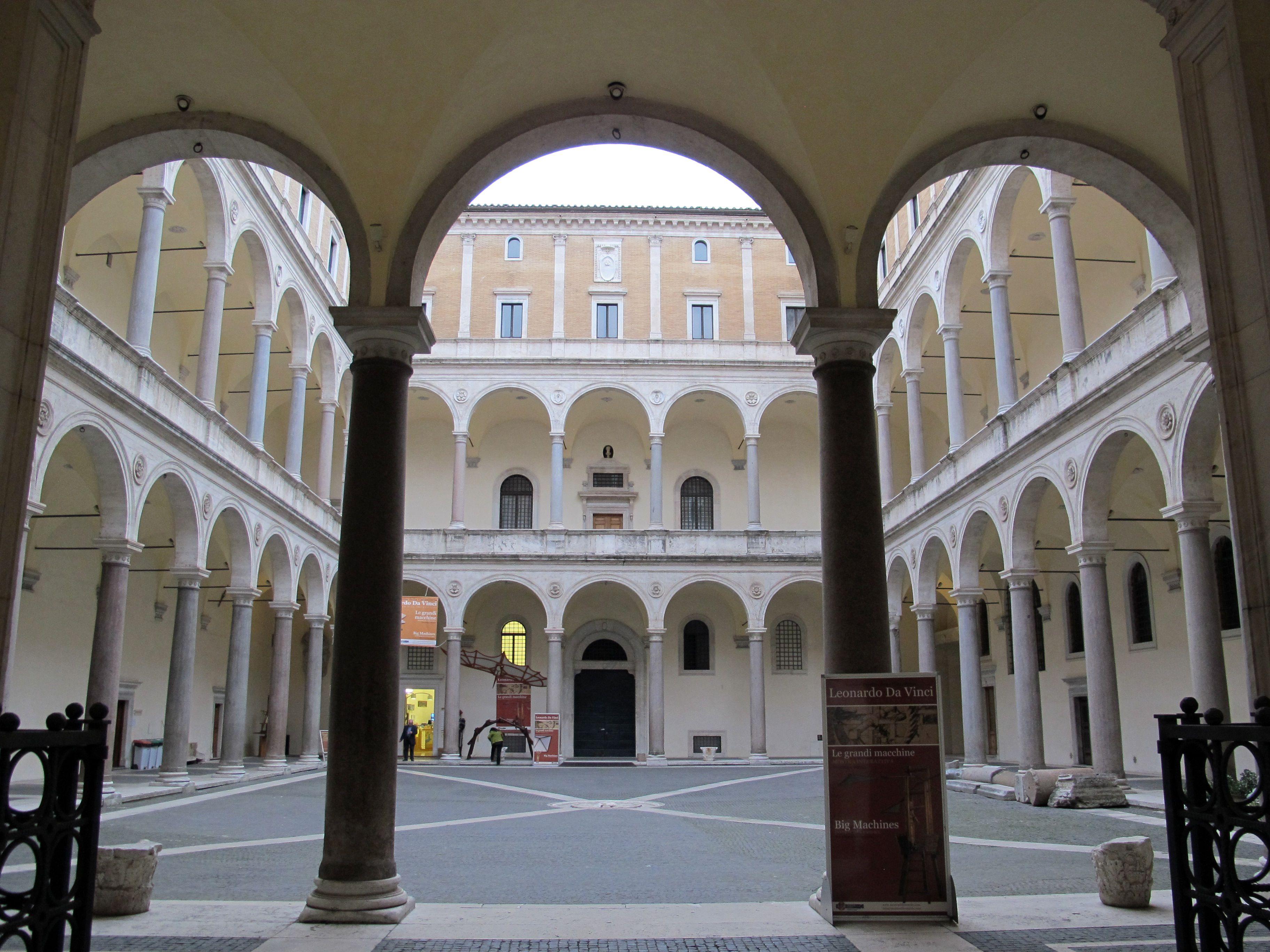 palazzo della cancelleria roma cortile courtyard built 1489 palazzo