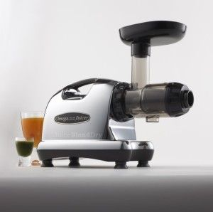 Omega  Juicer J8006 Nutrition Center