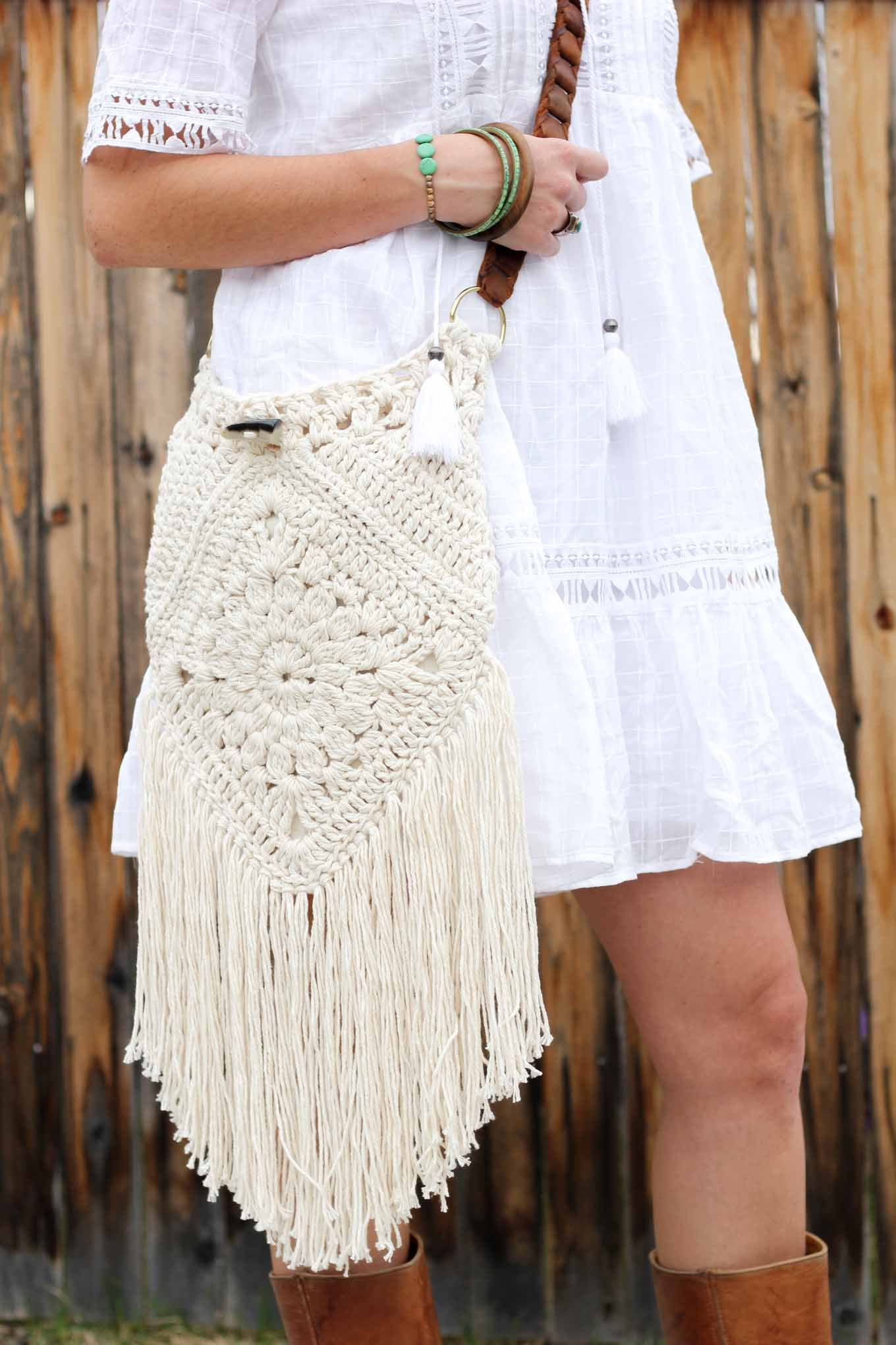 Urban Gypsy Boho Bag – Free Crochet Pattern | Lion brand, Patrones ...