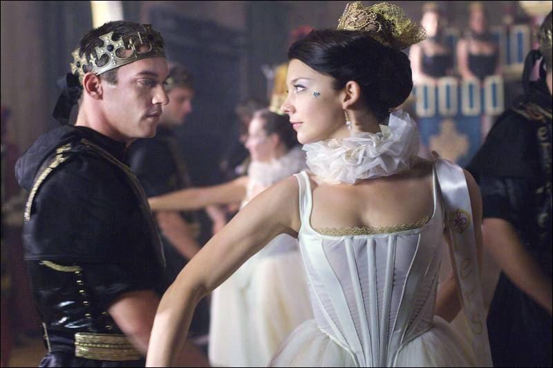 Showtime s The Tudors is addictive fun   Anne boleyn, Tudor ...