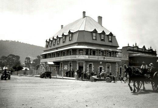 Commercial Hotel in Mittagong,New South Wales in 1907.