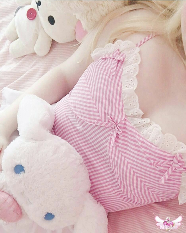 Pin By Er Er On بيبي قيرل Baby Girl Throw Pillows Fashion Inspo Outfits