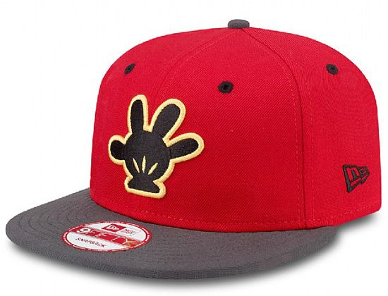 Two Tone Mickey Mouse Glove 9Fifty Snapback Cap by NEW ERA x DISNEY ... 8a2d39b3012