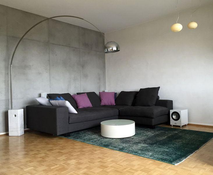 Wand In Betonoptik Mit Betonputz In Frankfurt Wiesbaden Mainz Tapete Wohnzimmer Wohnzimmer Design Wandgestaltung Wohnzimmer