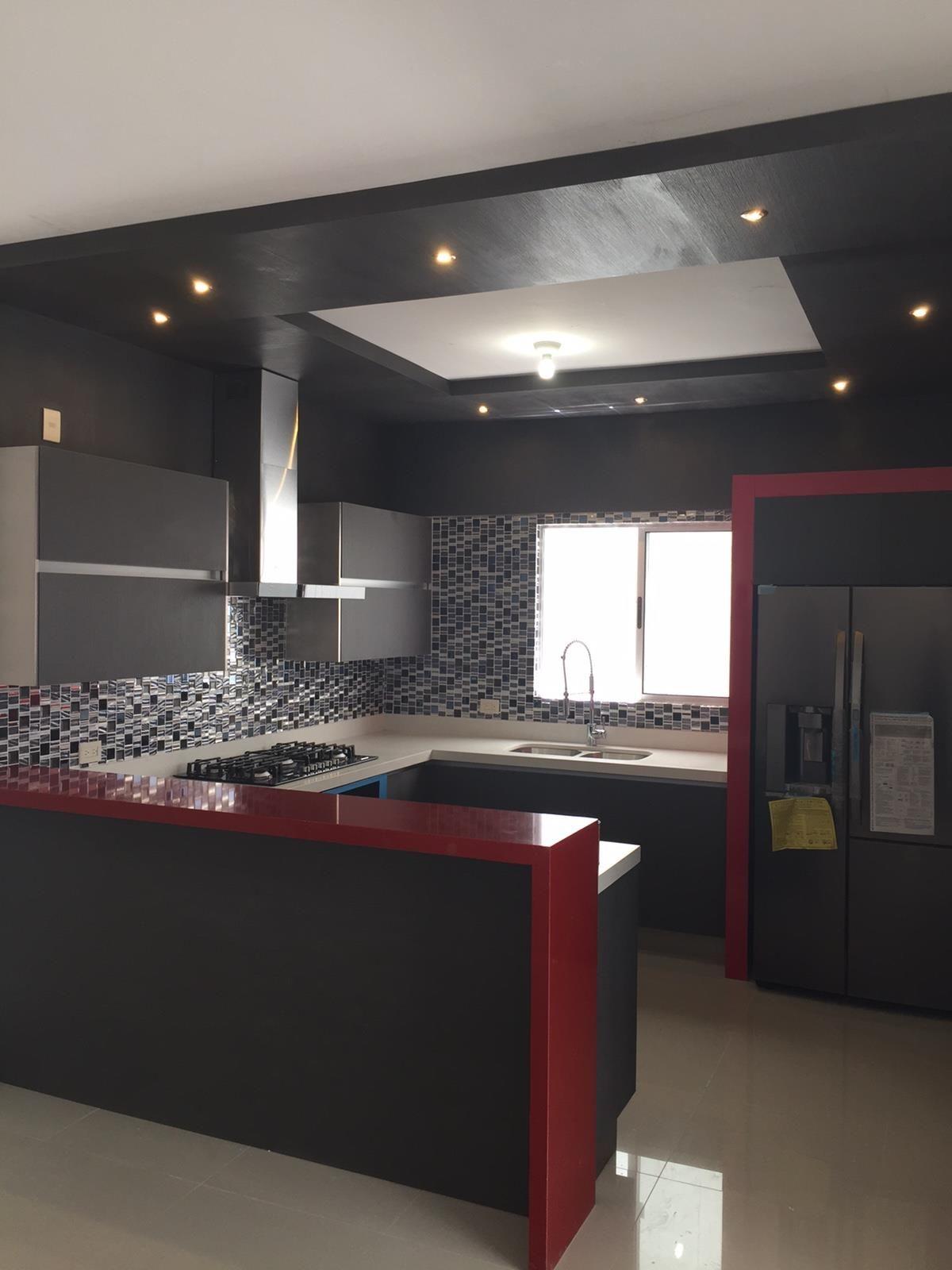 Preciosa cocina contemporánea en color Gris texturizado y Acero, con ...