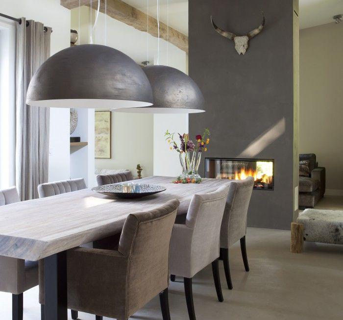 Mooie stoere sfeer voor de eetkamer | Woonkamer | Pinterest ...