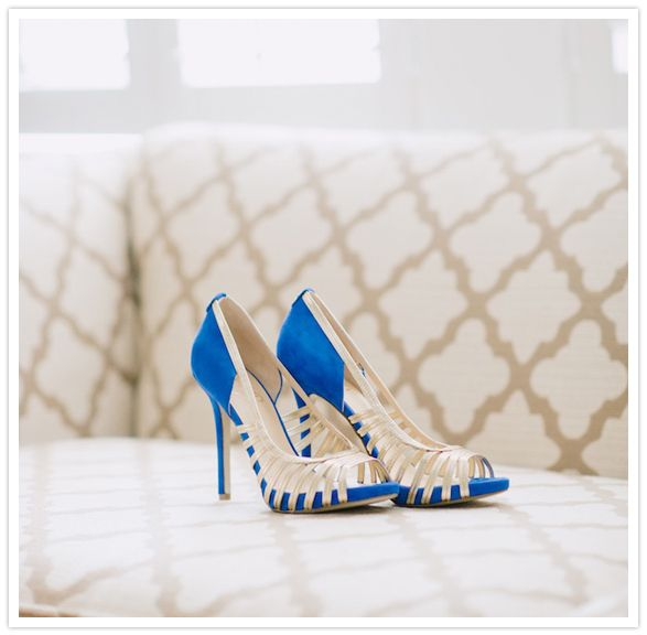 Bright blue and gold wedding shoes... I might REALLY 2cd151af3f