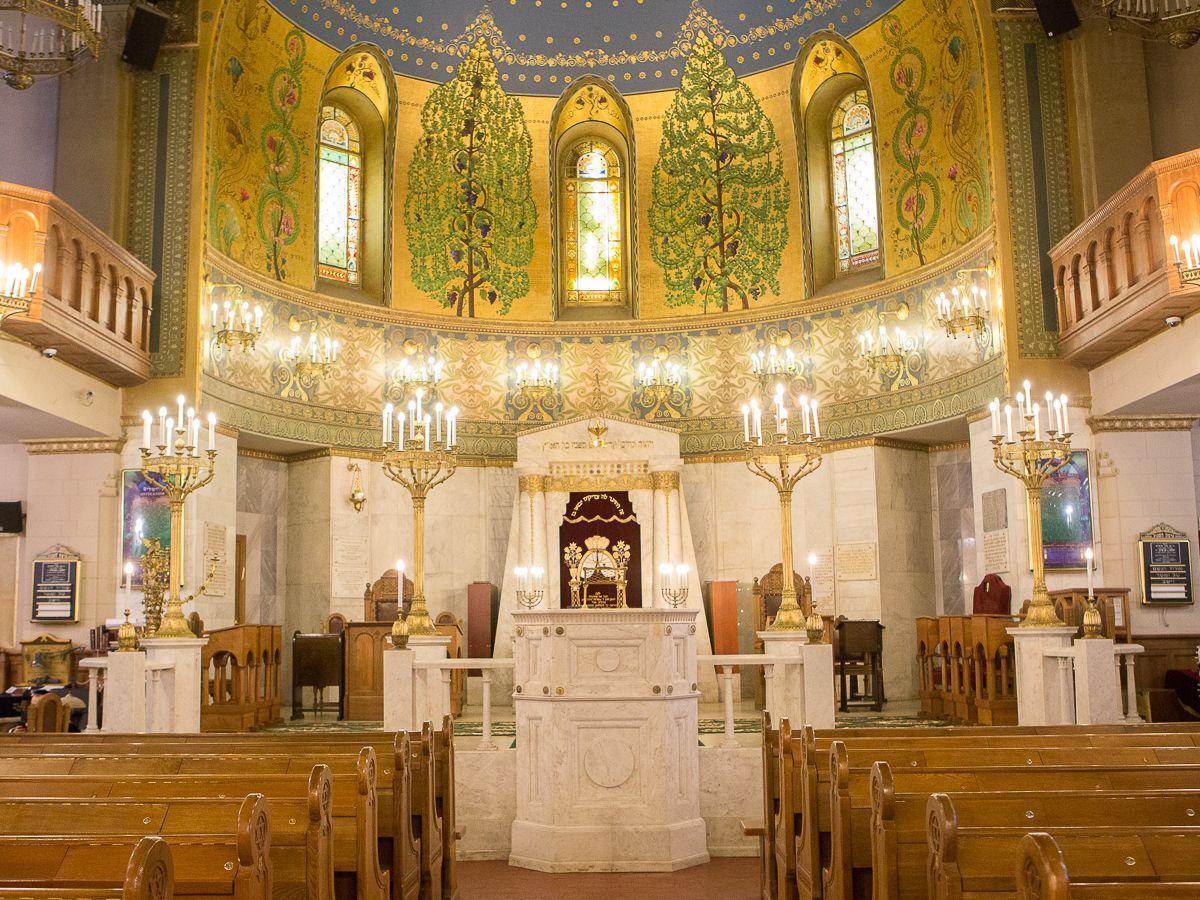 планете синагога в москве фото шесть лет