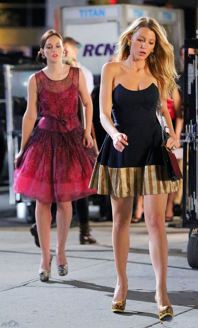 983fe06743b9 Blake Lively and Leighton Meester on the set of 6th season of Gossip ...