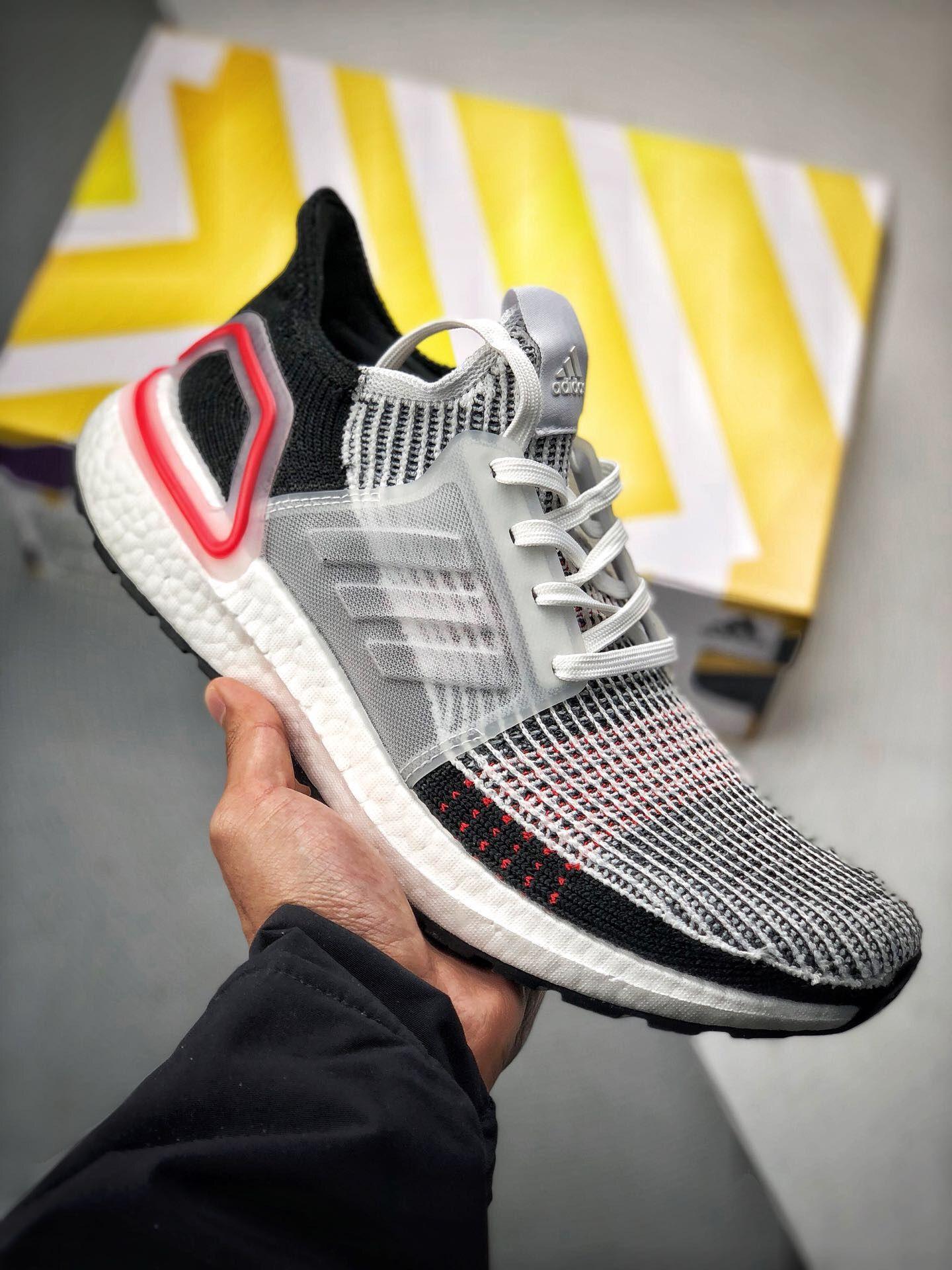 "6d0d8e4ead4f9 2019的Adidas Ultra Boost 5.0""White Red""B37703"