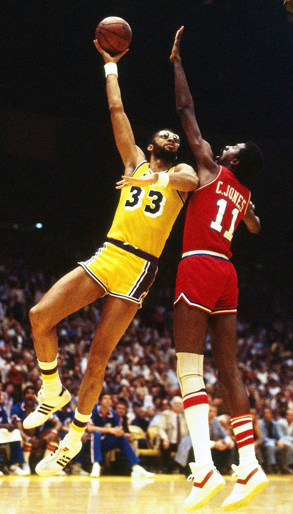 Pin By Richard Geer On Lakers Kareem Abdul Jabbar Los Angeles Lakers Nike Air Max 2011