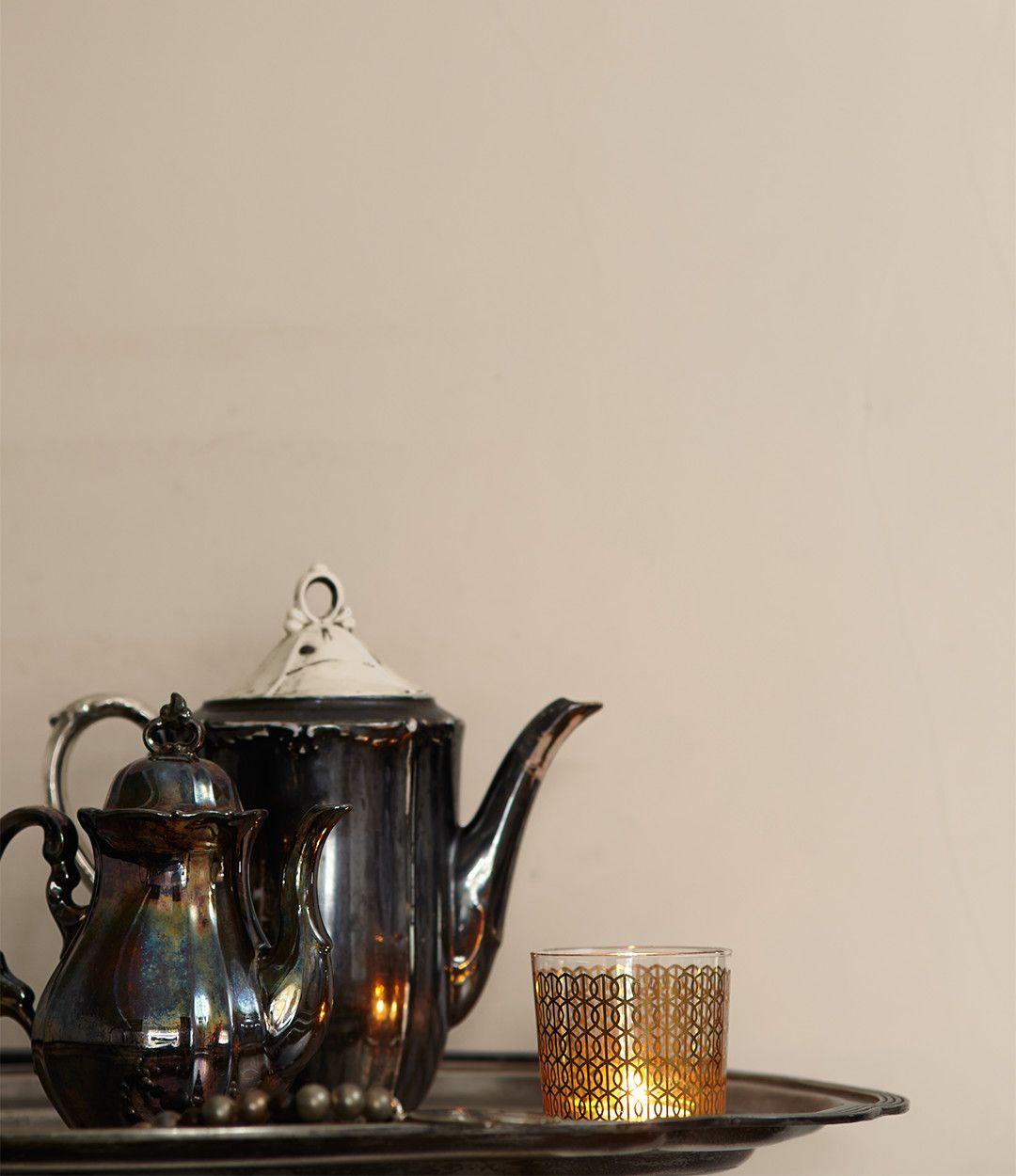 alpina feine farben no 07 zauber der w ste mit klassischen materialien wie porzellan und. Black Bedroom Furniture Sets. Home Design Ideas