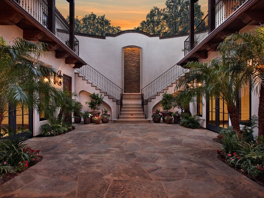 Courtyard my virtual home pinterest haciendas for Hacienda style house plans with courtyard