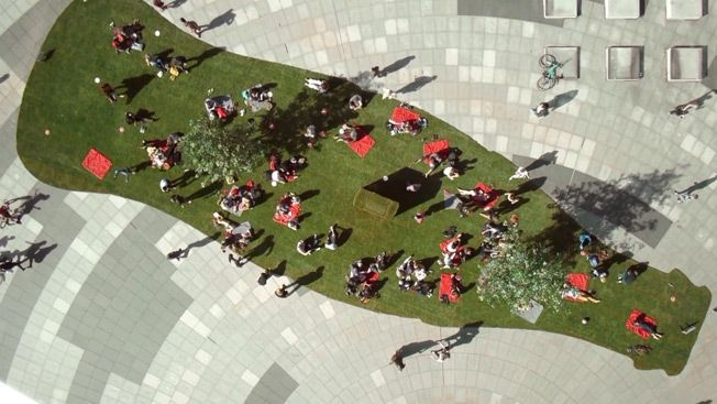 Coca-Cola's Roll Out Happiness Pop-Up Park Campaign - http://www.creativeguerrillamarketing.com/guerrilla-marketing/coca-colas-roll-happiness-pop-park-campaign/