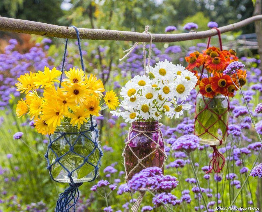 Comment Faire Une Composition Florale Suspendue Composition Florale Detente Jardin Et Jardins