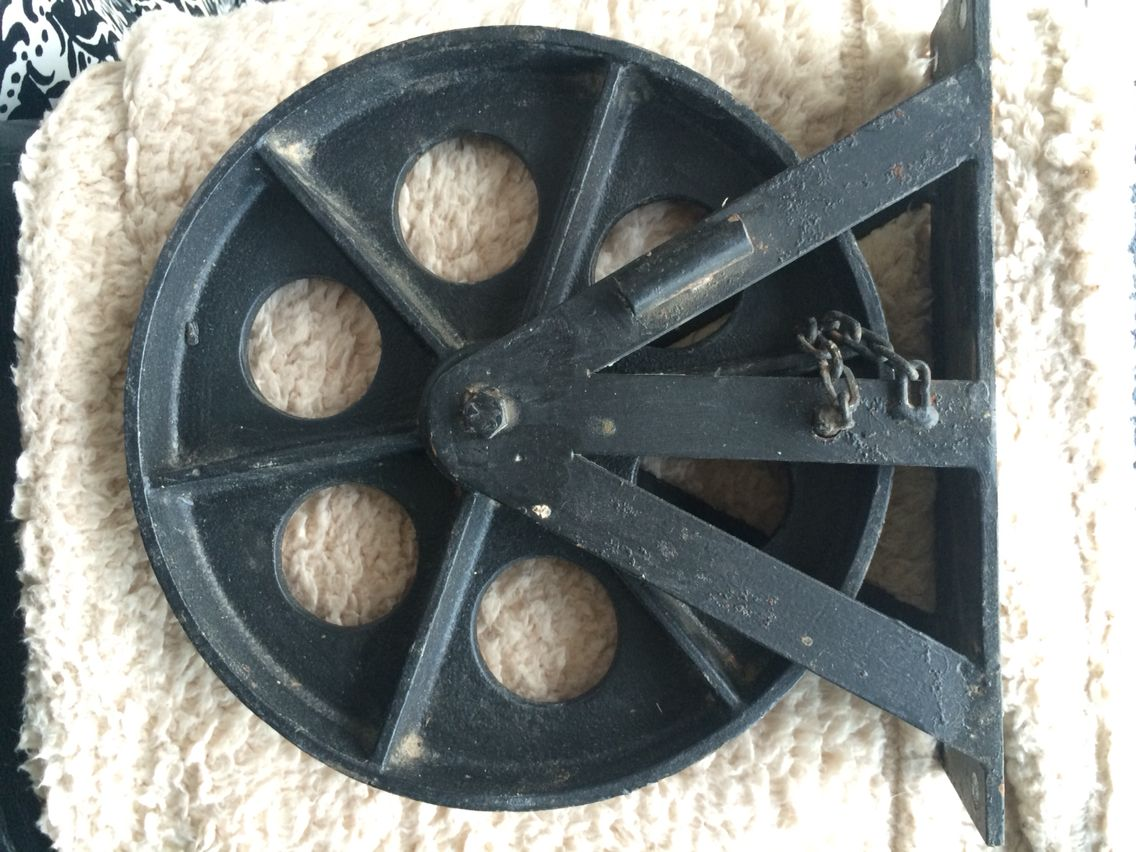 Wagon wheels coffee table