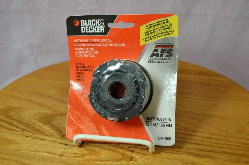 BLACK+DECKER Dual-Line Automatic Feed Spool 40 Ft GH700