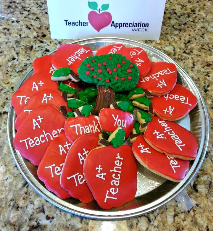 Your A+ Teacher will appreciate these apple shaped cookies.