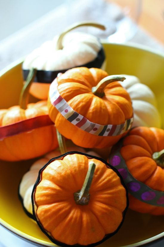 DIY pumpkin decorations Pumpkin decorating, Holidays and