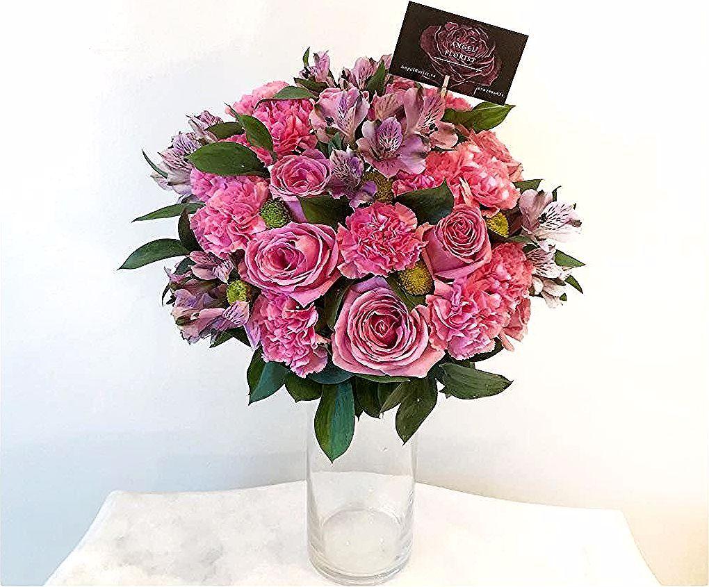 ورد طبيعي الرياض On Instagram A Large Vase Arrangement يمكن تغيير لون الورد Vase Arrangements Large Vase Vase