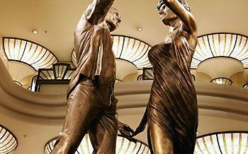 "The statue ""Innocent Victims,"" of the  Princess Diana and Dodi Fayed in Harrods"