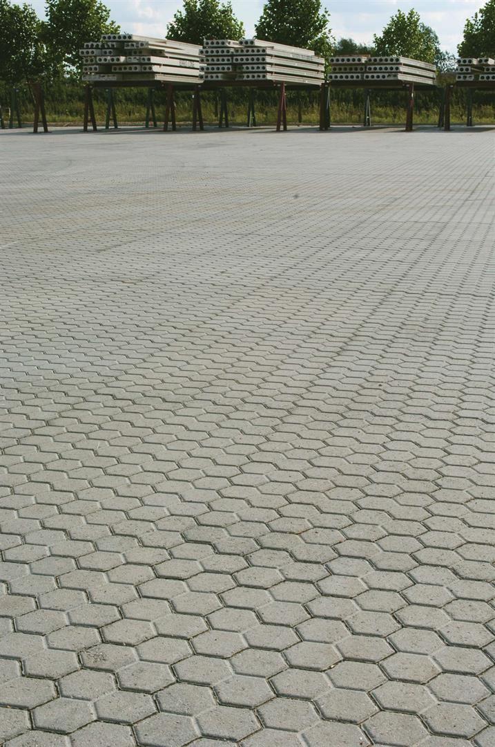 Marshalls Eskoo 6 in Natural http://www.marshalls.co.uk/commercial/block-paving/products/eskoo-6-machine-lay-hexagonal-concrete-block-webfa050910