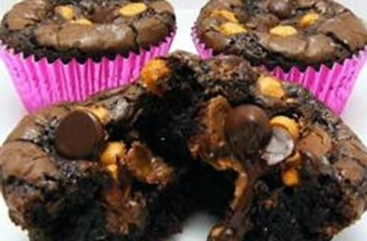 Peanut Butter Cup Brownies  These are probably wouldnt fit into my diet to loose weight.. Oh well lol!