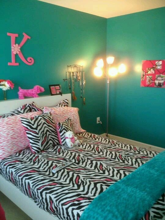 Teal And Pink Girls Room