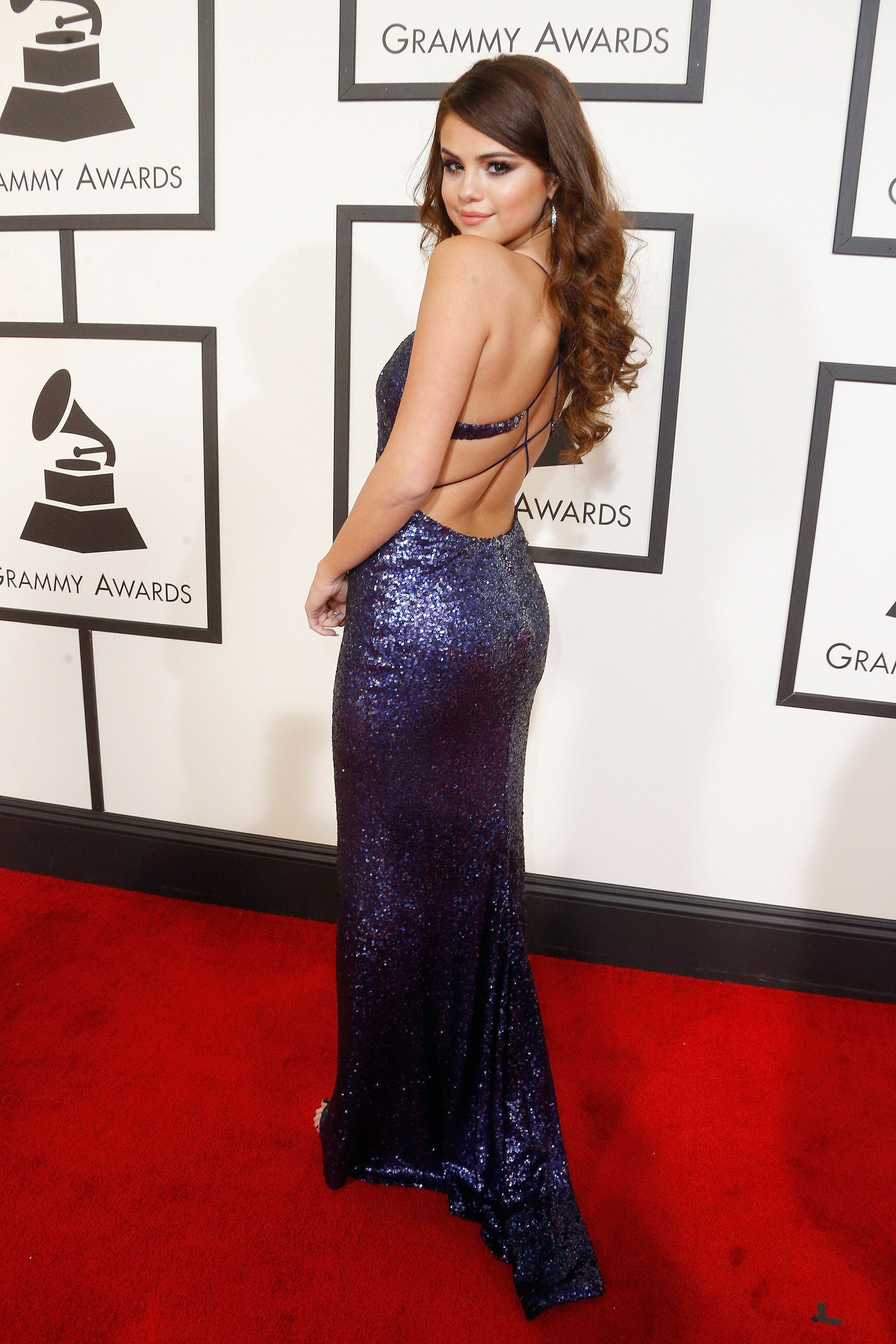 Does Selena Gomez s Sequined Mermaid Gown Take You by Surprise ... 03481a51590e