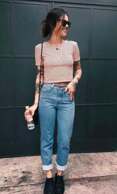 Mom Jean Kombinleri Mavi Mom Jeans Beyaz Cizgili Kisa Kol Bluz Ankle Bot Jean Denimjeans Denim Moda Pantolon In 2020 Trendy Summer Outfits Fashion Casual Outfits