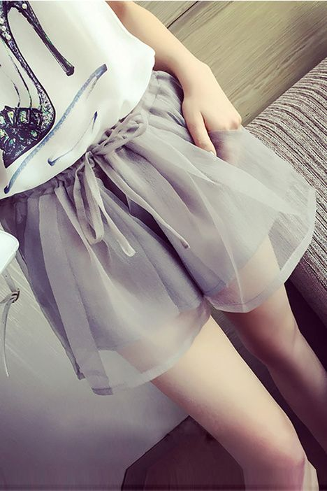 蓬蓬纱松紧腰宽松短裤