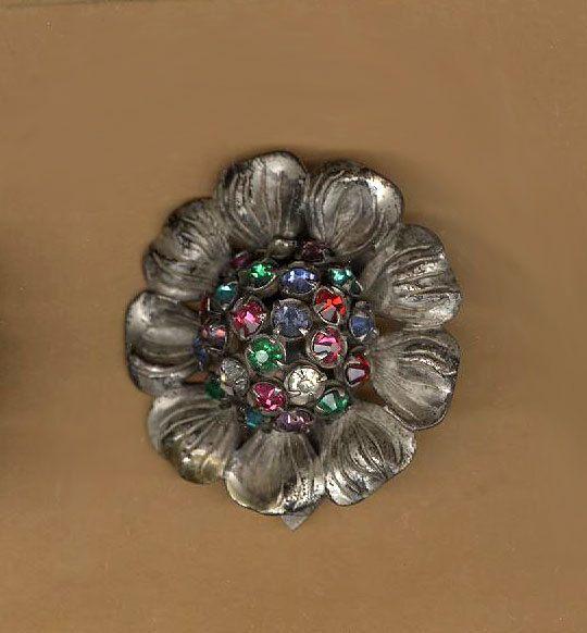 #vintage dress clip #antique dress clip #beadtopiavintage #vintage finding #antique finding #jewel tone