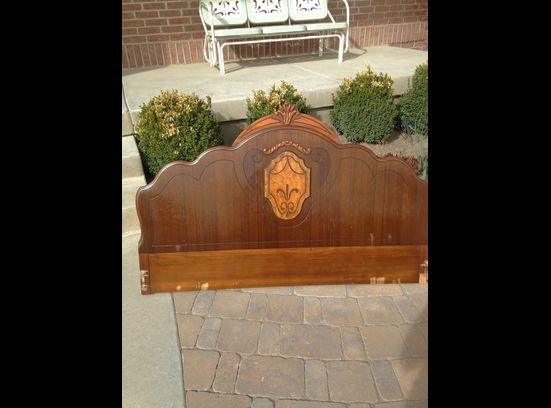 Vintage Wood Headboard  http://www.ksl.com/index.php?nid=218&ad=33834815&cat=456&lpid=2&search=&ad_cid=2