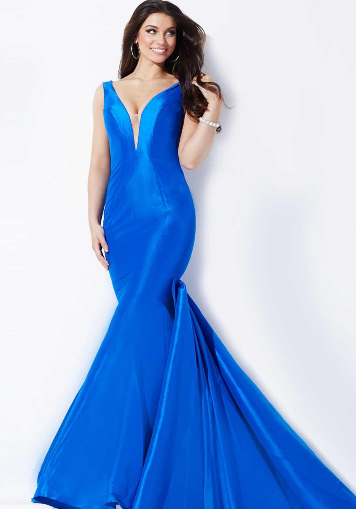 Tenemos este traje color azul sirena con cola aproximado de 4-5 ...