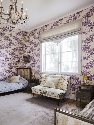 bedroom chandelier decor purple vintage purple bedroom rh pinterest com