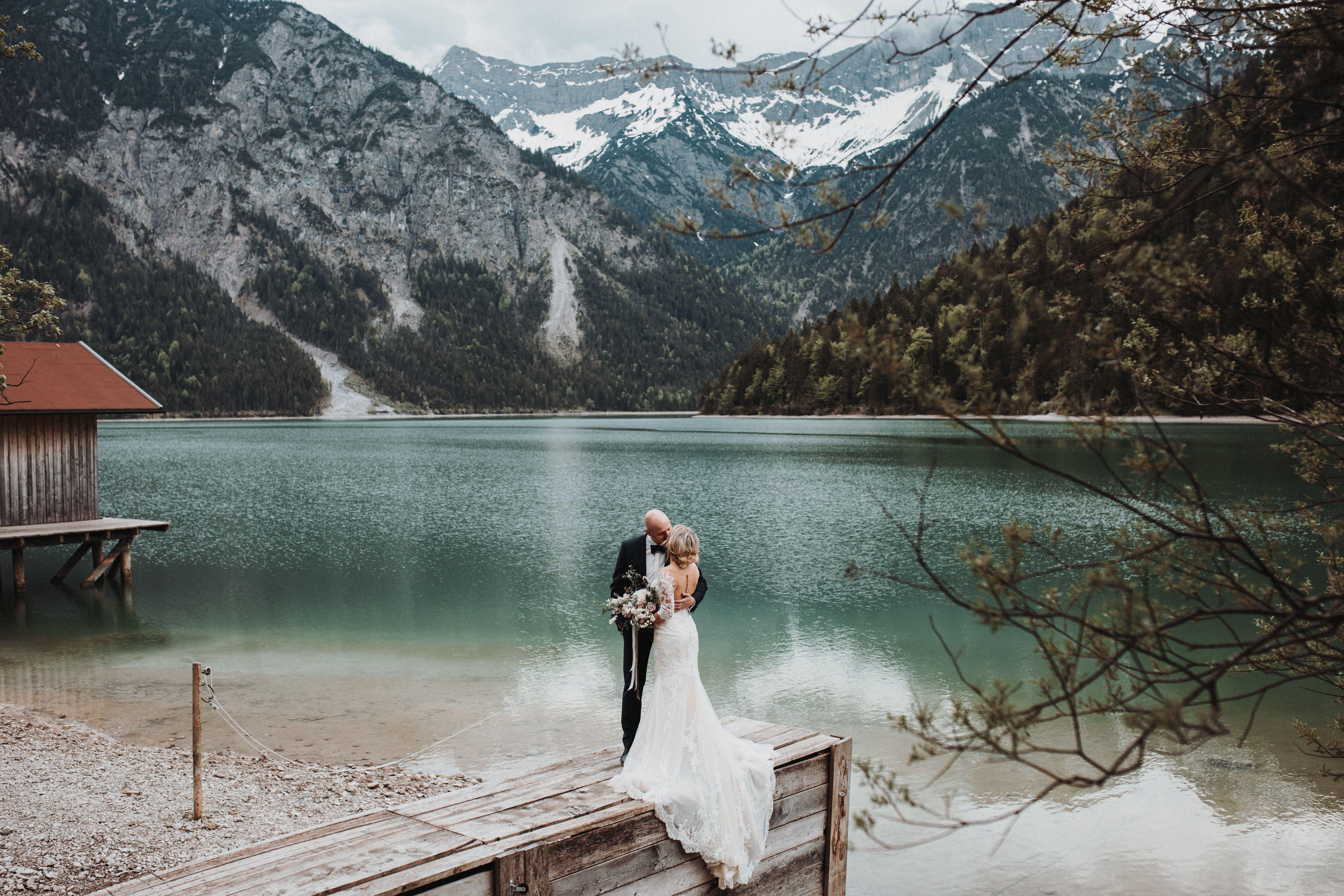 After Wedding Am Plansee Osterreich Jennifer Stieler Photography Kosten Hochzeit Hochzeit Schloss Hochzeitsfotos