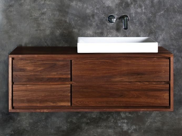 Einzel h ngender waschtischunterschrank aus holz mit for Design waschtischunterschrank