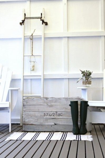 nautical decor vintage ladder  I love this. Ideas: try this wall concept on plain wall to give depth.