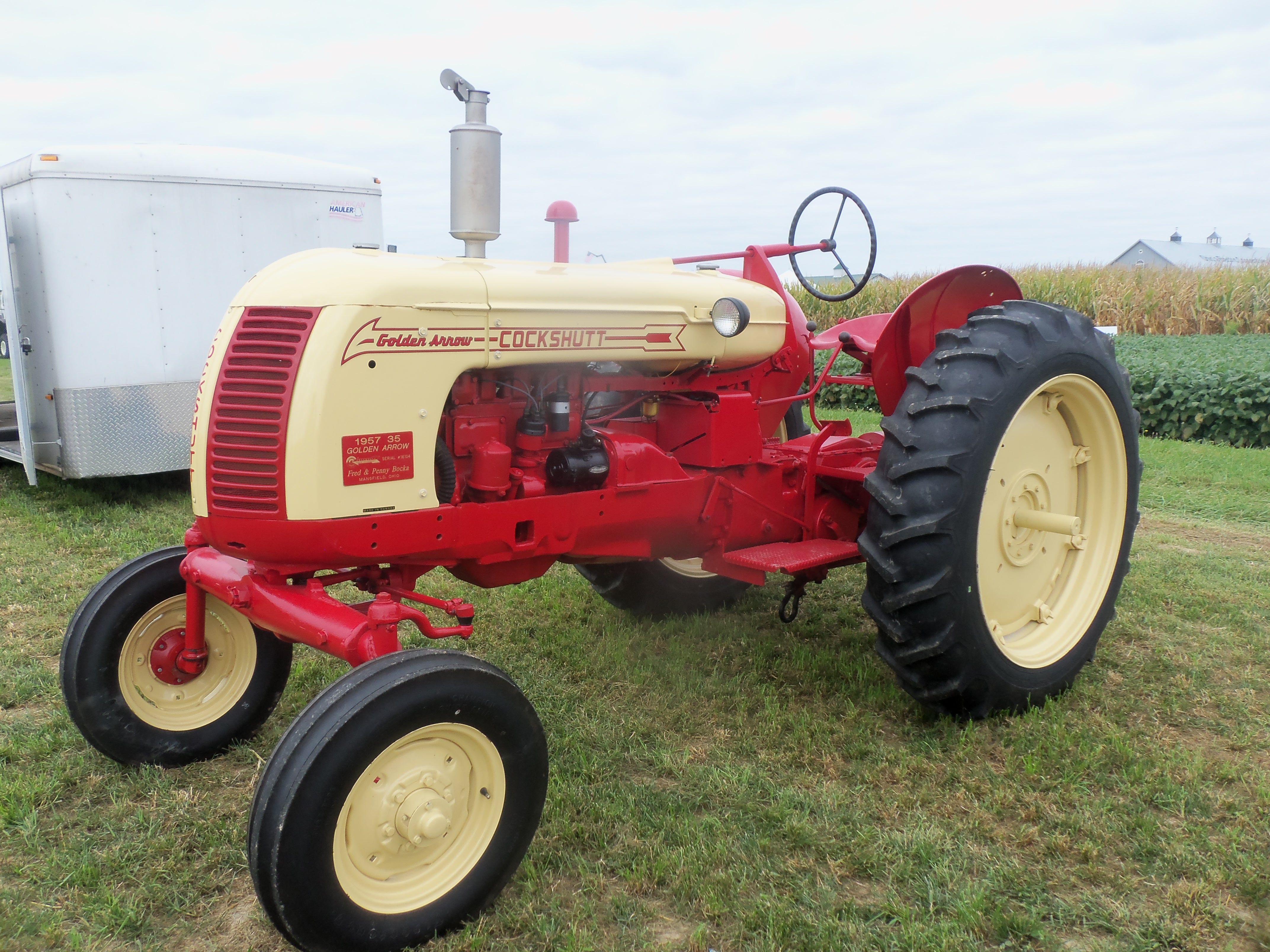 Cockshutt Golden Arrow 35 Old Tractors Tractors Vintage Tractors