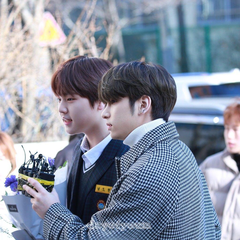 200206 Lee Hangyul And Nam Dohyon At Daechi Middle School Graduation Ceremony