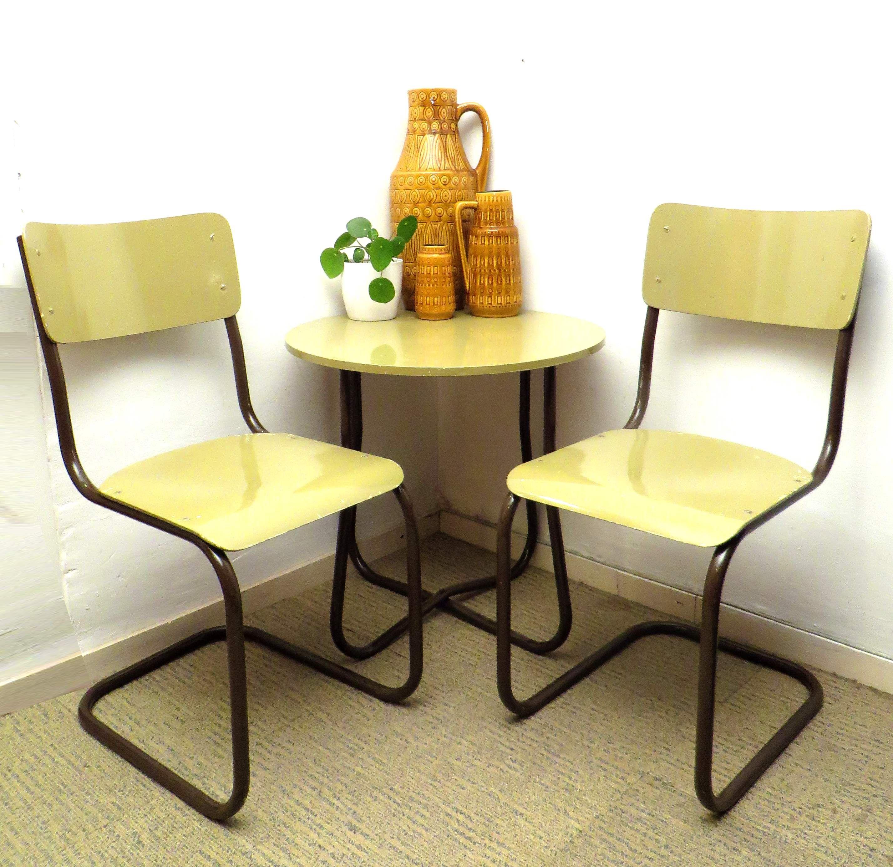 Keukentafel stoelen ontwerp for Keukentafel en stoelen