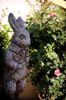 White rabbit garden statue a touch of art in the garden - Alice in wonderland garden statues ...